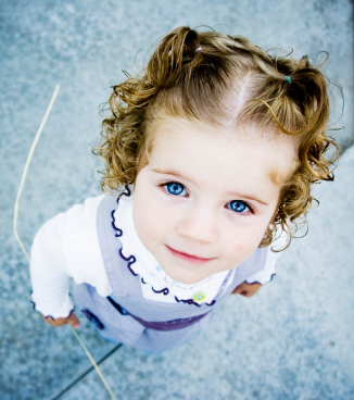 Cute-toddler-girl-babies-4613727-326-368