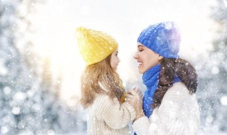 mom-daughter-snow-e1449858714596